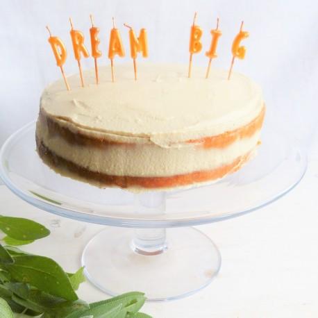 Gâteau d'anniversaire amande, fruits rouges