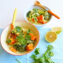 Curry de patate douce, brocoli et poireaux