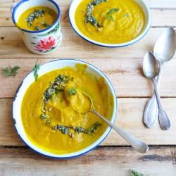Soupe de carotte et pesto de fanes